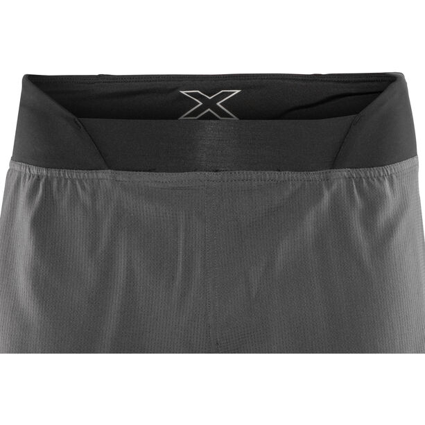 "2XU Run 2 In 1 Compression Shorts 7"" Herren charcoal/nero"