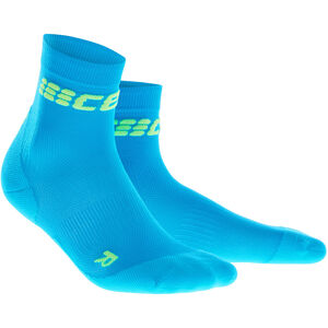 cep Dynamic+ Ultralight Short Socks Herren electric blue/green electric blue/green