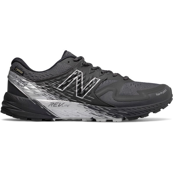 New Balance Summit K.O.M. Gore-Tex Shoes