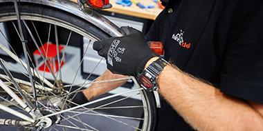 Fahrrad Reparaturservice in unseren Filialen