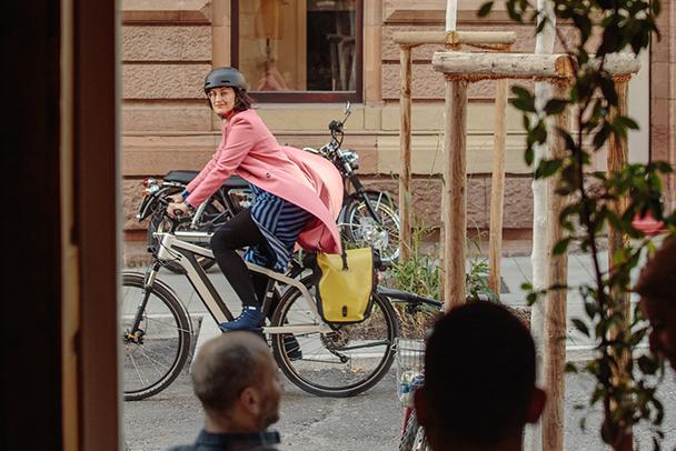 Erkunde deine Stadt: mit dem Rad den goldenen Herbst genießen