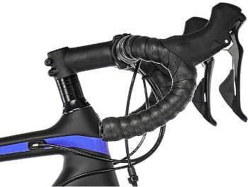 Der ergonomische Lenker eines Trek Damen Rennrads
